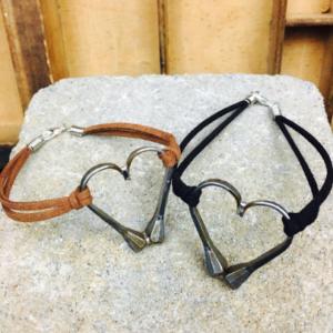 simple heart charm bracelet